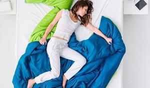 როგორ დავიძინოთ ზაფხულის აუტანელ სიცხეში _ თუ ოთახში არ გვაქვს კონდიციონერი