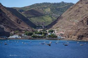 წმინდა ელენეს კუნძულს სჭირდება თანამშრომელი,რომელსაც წელიწადში 70 000$-ს გადაუხდიან