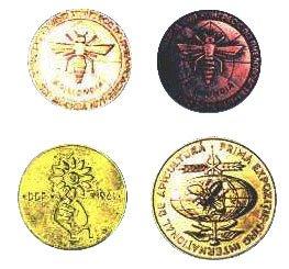 ერფურტის,  ბუქარესტის და მოსკოვის მეფუტკრეობის საერთაშორისო კონგრესებზე მიღებული ოქროს მედლები.