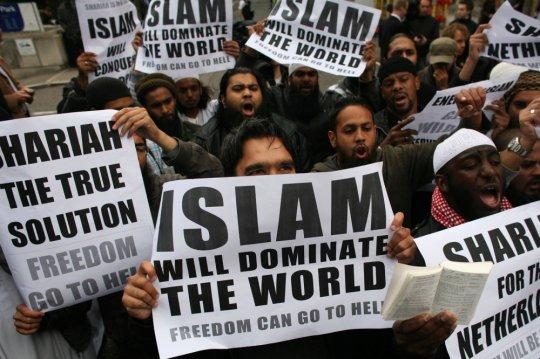 ევროპაში ჩასული აზიელი და აფრიკელი მიგრანტები ითხოვენ ისლამური შარიათის დამყარებას ევროპაში