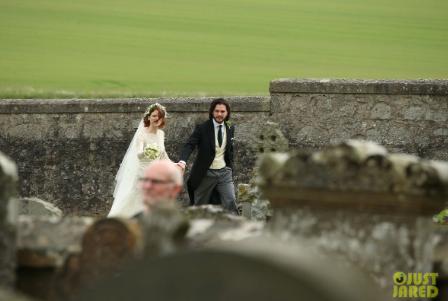საინტერესო დეტალები კიტ ჰარინგტონისა და როუზ ლესლის ქორწილიდან