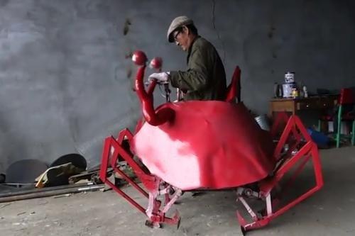 ჩინეთში ყველაზე სასაცილო რობოტი დაამზადეს(ვიდეო)