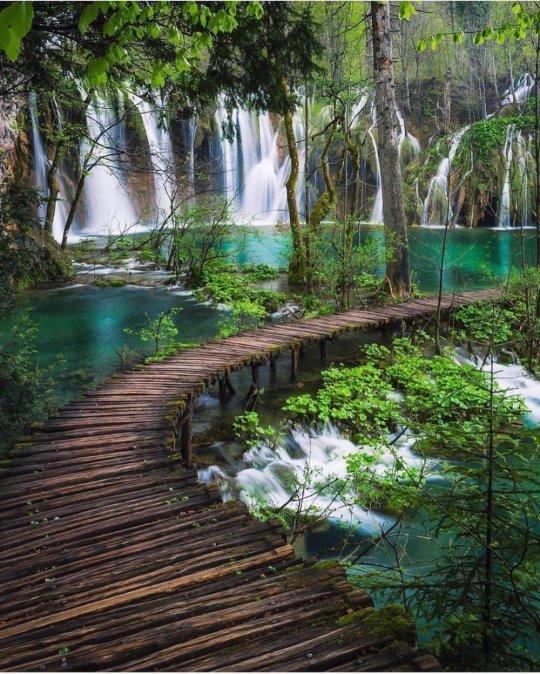 30 უდაოდ ლამაზი  ადგილი დედამიწაზე, რომელიც სიცოცხლის წლებს მოგიმატებთ...