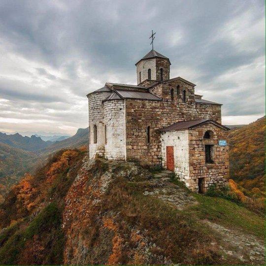 """ქრისტიანული ტაძარი - """"შოანა"""" ყარაჩაი-ჩერქეზეთში"""