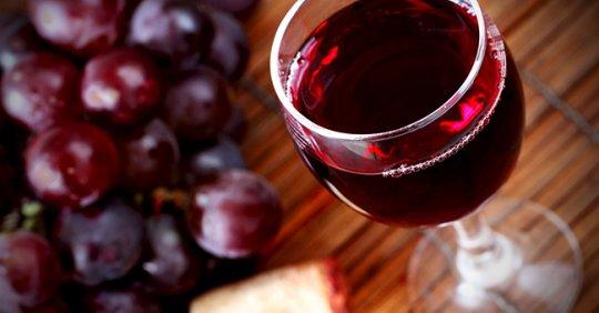 წითელი ღვინოს უნიკალური სამკურნალო თვისებები და გლინტვეინის დამზადების წესი