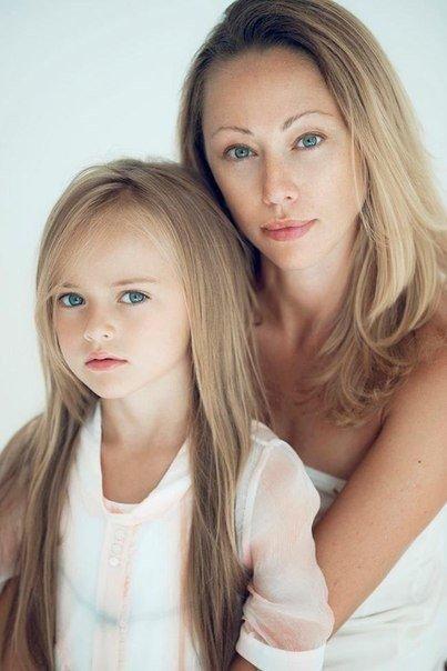 კრისტინა პიმენოვა დედასთან გლიკერია შიროკოვასთან ერთად
