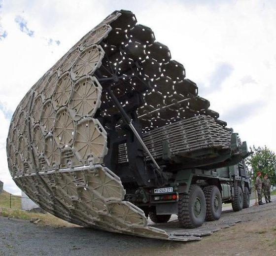 გერმანული სამხედრო ტექნიკა რომელიც 10 წუთში აგებს 50 მეტრ გზას