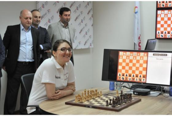 ევროპის ჩემპიონმა ჭადრაკში-ნანა ძაგნიძემ პარტია კომპიუტერის წინააღმდეგ ითამაშა