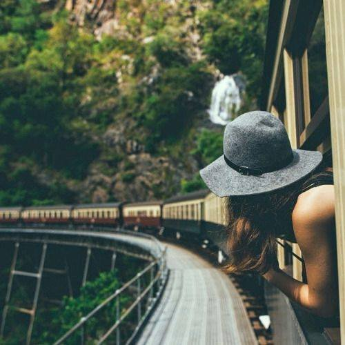გიყვართ მატარებლით მგზავრობა?
