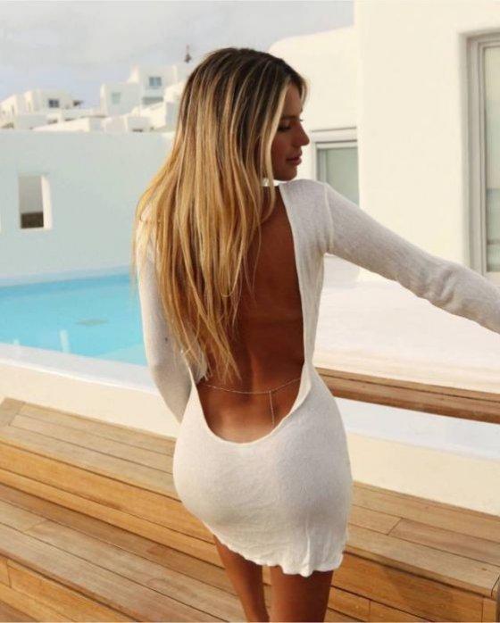 ლამაზი კაბაა ლამაზ სხეულზე