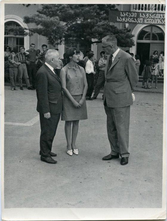 ნანა ალექსანდრია  სალო ფლორო და  მაქს ეივესთან ერთად(1968 წელი დუშეთი)