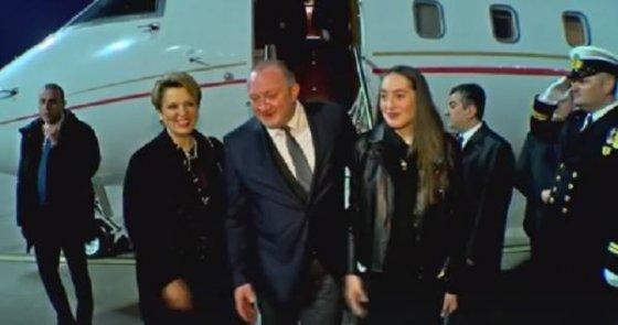პრეზიდენტმა საბერძნეთის ოფიიალურ ვიზიტზე შვილიც წაიყვანა
