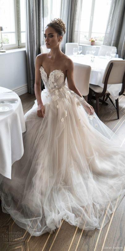 ძალიან ლამაზი საქორწინო კაბა