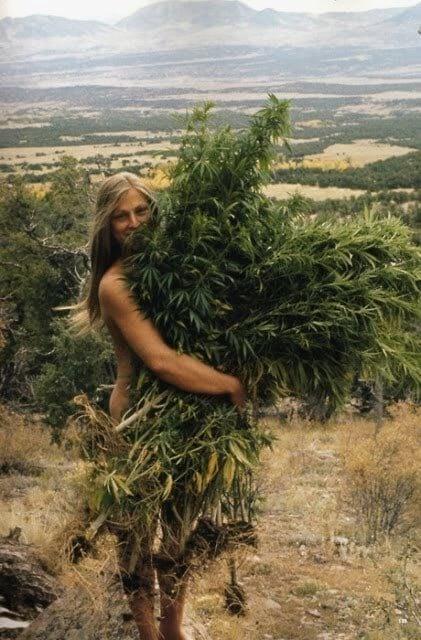 ბედნიერი გოგონა თაიგულით, 1969 წ.