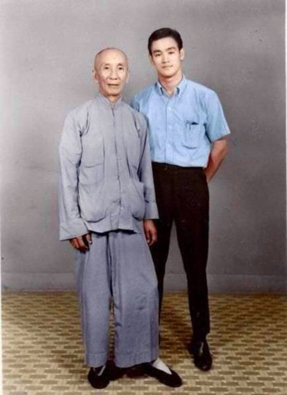 19 წლის ბრიუს ლი და მისი მასწავლებელი, 1958 წელი