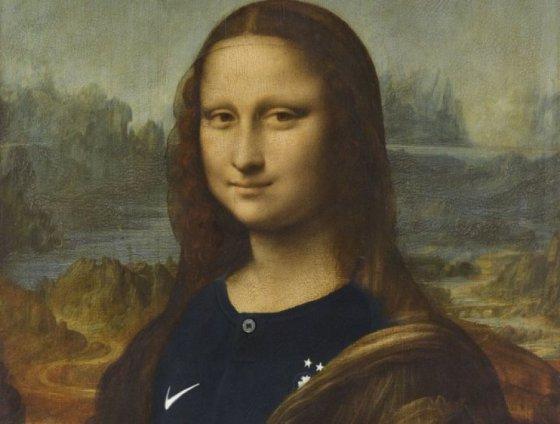ლუვრში მონა-ლიზას საფრანგეთის ნაკრების მაისური ჩააცვეს