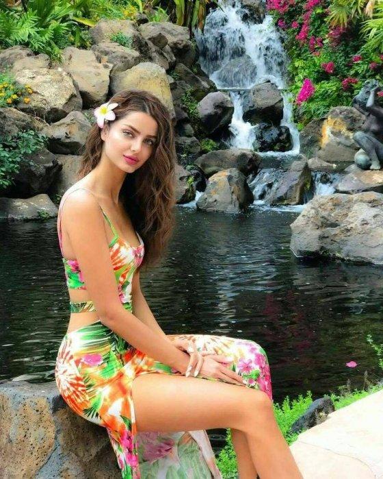 ირანული წარმოშობის მოდელი. ირანში, რომ ეცხოვრა ვერ ვნახავდით მის სილამაზეს და ლამაზ სხეულს