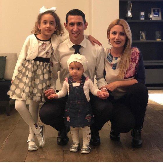 ანხელ დი მარია ოჯახთან ერთად