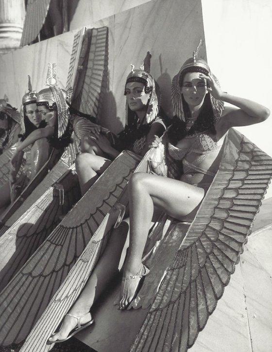 შესვენება კლეოპატრას  გადაღებებზე, 1963