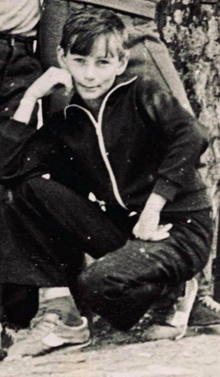 როგორ გამოიყურებოდა მეუფე პეტრე თინეიჯერობაში