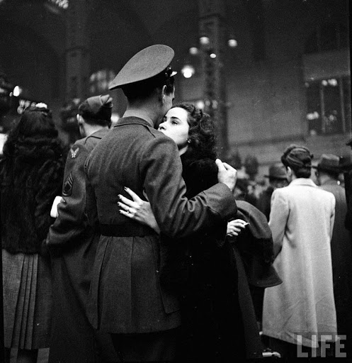 დამშვიდობება მეორე მსოფლიო ომში მიმავალ ჯარისკაცთან. პენსილვანიის სადგური, 1944