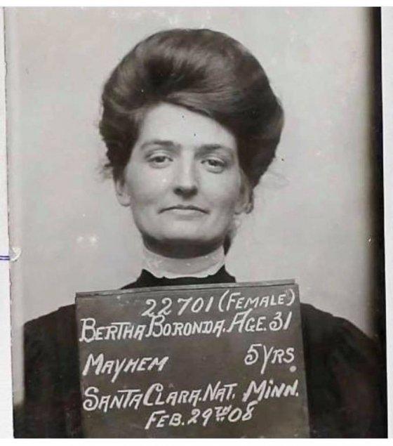 ბერტა ბორონდა გაასამართლეს 1907 წელს თავის მეუღლეზე სამართებლით სასქესო ორგანოს მოჭრისთვის