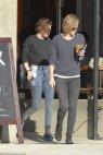 ძალიან გვანან ერთმანეთს გოგონები - Kristen Stewart and her friend, Alicia Cargile