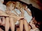 ჯეკ ლემონი და ტონი კერტისი-ფერადი კადრი ფილმიდან ჯაზში მხოლოდ ქალიშვილები არიან