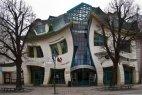 დაგრეხილი სახლი პოლონეთის ქალაქ სოპოტში