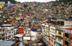 რიო-დე-ჟანეიროს ყოველი მეხუთე მცხოვრები უღარიბეს უბნებში, ფაველებში ცხოვრობს.