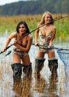თევზაობენ.