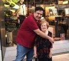 მიხეილ სააკაშვილი ბებიასთან მზია წერეთელთან ერთად