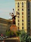 ჰიდრას მონუმენტად გარდაქმნილი ლენინის ძეგლი ბუქარესტში,რუმინეთი