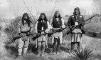 აპაჩების ტომის ლეგენდარული ბელადი ჯერონიმო, უკანასკნელი ბრძოლის წინ კოლონიზატორების წინააღმდეგ