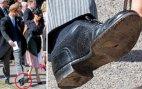 პრინც ჰარის რა გაუჭირდა, გამოხვრეტილი ფეხსაცმლით რომ დადის?!