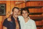 ჯონი დეპი მამასთან ერთად