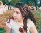 ბრიტანელი მომღერალი, ემი უაინჰაუსი 14 წლის ასაკში