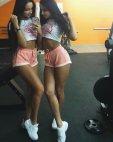 გოგოები სპორტ დარბაზიდან
