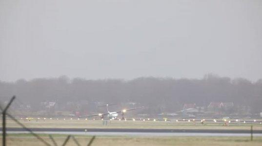 ამსტერდამის აეროპორტში თვითმფრინავს დაჯდომის დროს შასი გაუტყდა