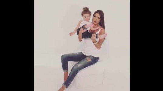 ქეთა თოფურია ქალიშვილთან ერთად ფოტოსესიაზე პოზირებს