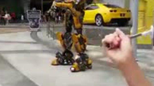 მოცეკვავე რობოტი