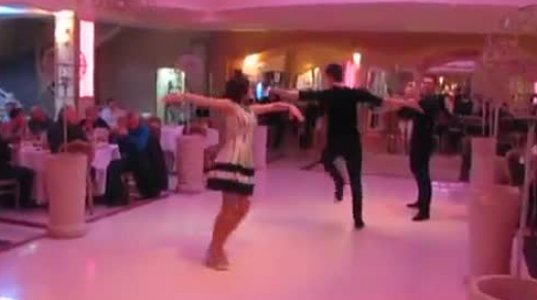 რესტორანში კაცის და ქალის უმაგრესი აჭარული ცეკვა ყველა სტუმრის ყურადღე