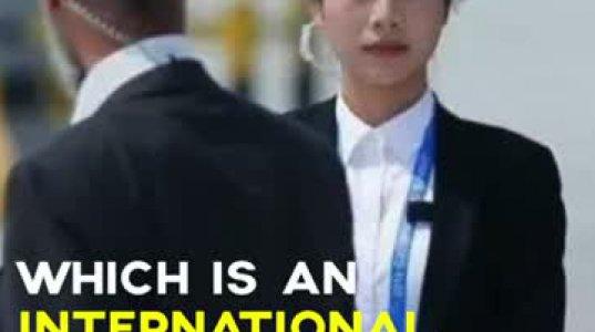 ქალბატონები შავებში. ჩინელი გოგონები პირადი მცველის პროფესიით.