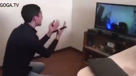 ქართველი ბიჭის რეაქცია,როდესაც ფხიზელზე აჩვენეს ვიდეო თუ რას აკეთებდა