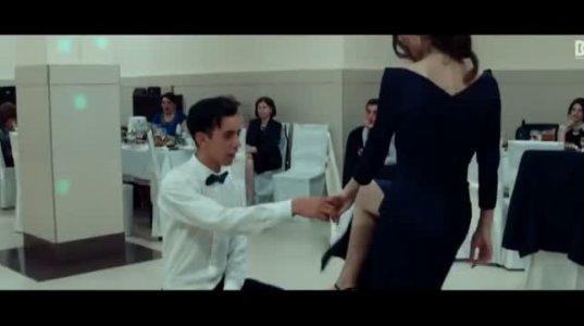 ბანკეტზე გურჯაანელი გოგოს ცეკვამ ყველა მამაკაცი გადარია