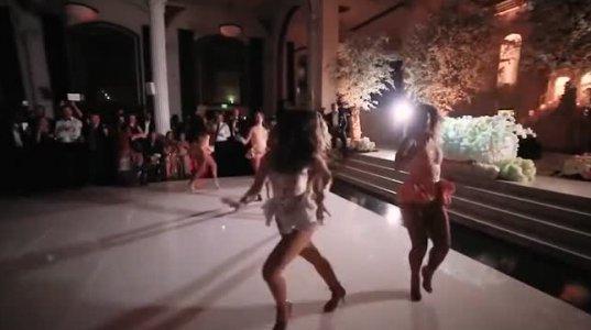საოცარი ცეკვა, რომელიც ქმარს მიუძღვნა ქორწილში პატარძალმა!
