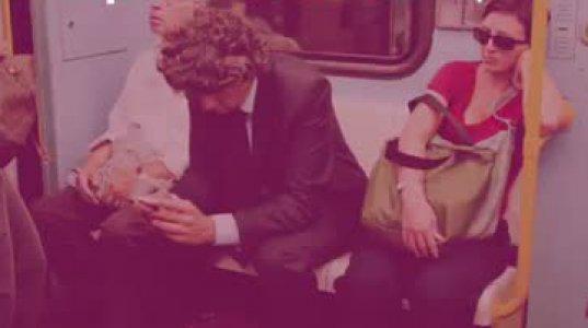 მადრიდში მამაკაცებს მუხლებგაშლილი ჯდომა აეკრძალათ საზოგადოებრივ ტრანსპორტში