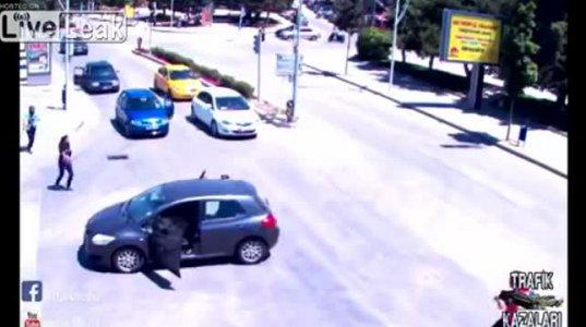 ყველაზე უცნაური ავტო საგზაო შემთხვევა (თურქეთი)