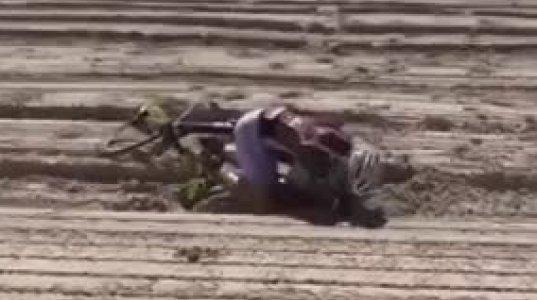 ველოსიპედისტს მარცხი მოუვიდა ქვიშაზე გადასვლის შემდეგ