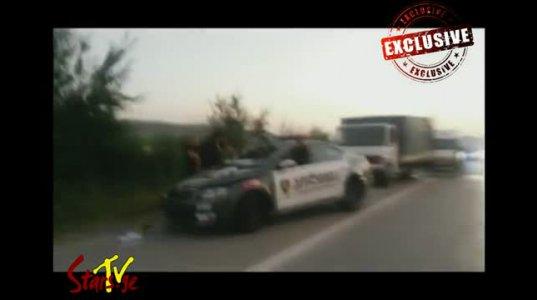 პოლიციის მანქანა სამშენებლო არმატურით დატვირთულ სატვირთოს შეუვარდა